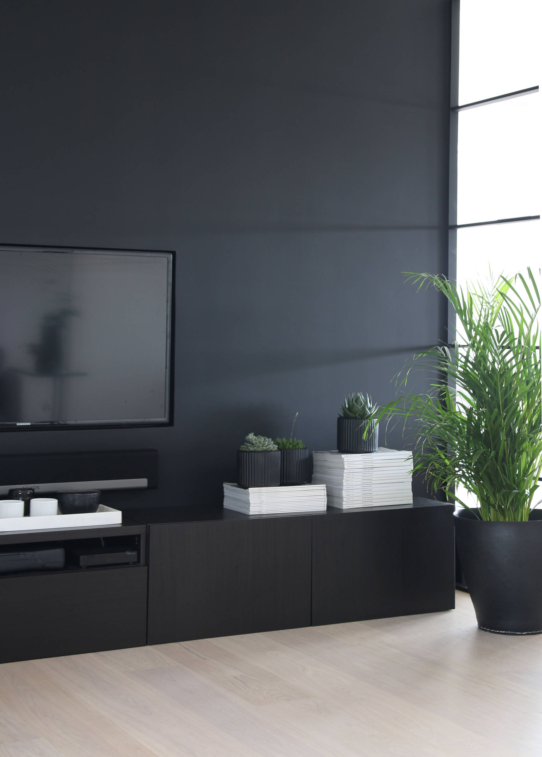 Hyggelig TAILORED TV SOLUTION - Therese Knutsen LM-63