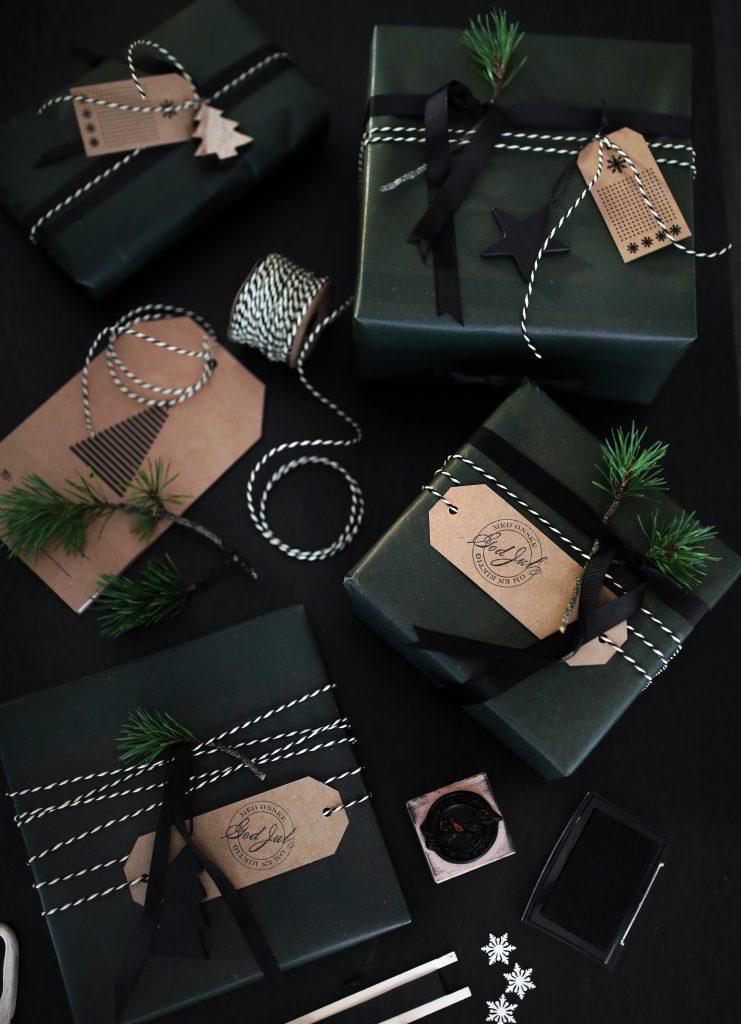 IMG_2277 Gift wrapping Christmas 7