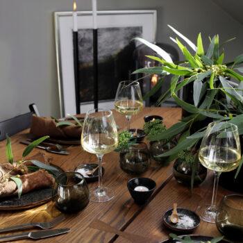 SEPTEMBER  TABLE SETTING